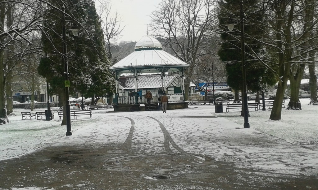 Snowballing over - we gathered in the bandstand